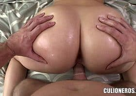 Duża mamuśka orgia